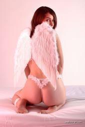 Rachel, actrice XXX, comme un ange