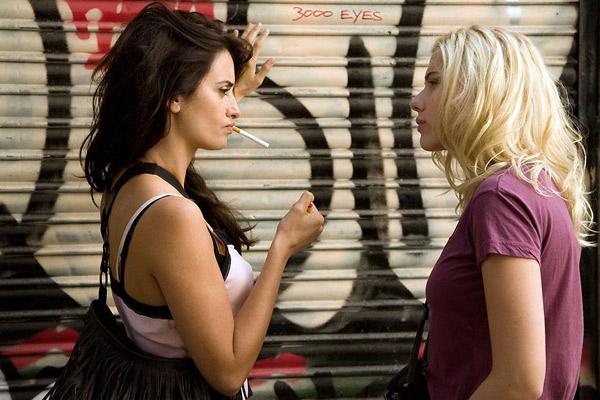 Penelope Cruz et Scarlett Johansson dans Vicky Cristina Barcelona