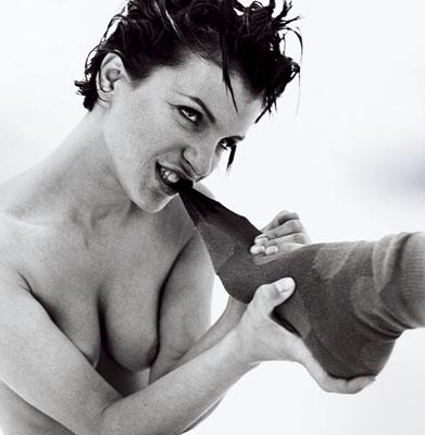 Une femme dévoreuse de chaussette (Rankin Erotica)