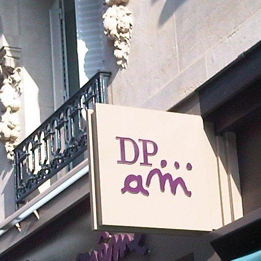 Enseigne «DP... am» (du pareil au même)