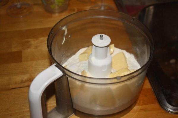 Préparer une pâte brisée (au robot ménager)