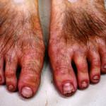 Qui a vécu par le pied périra par le pied