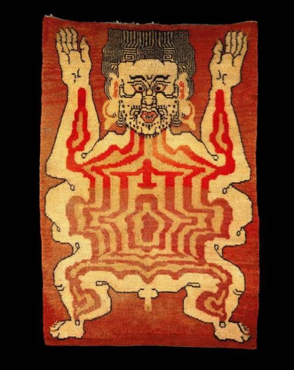 uomo spellato su tappeto tibetano